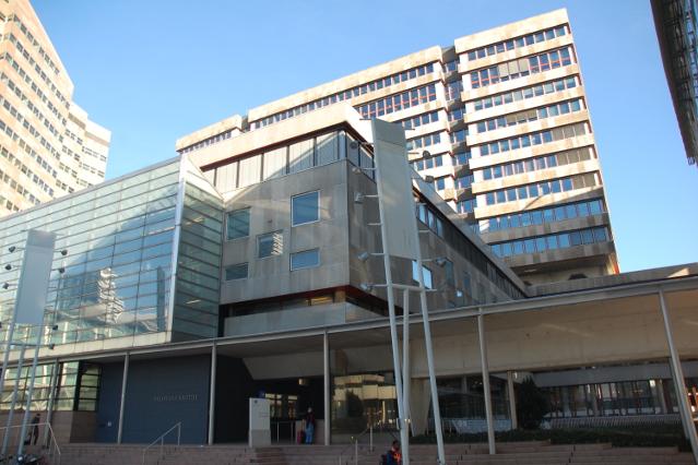 Гаагский суд отменил решение о выплате компенсаций акционерам ЮКОСа