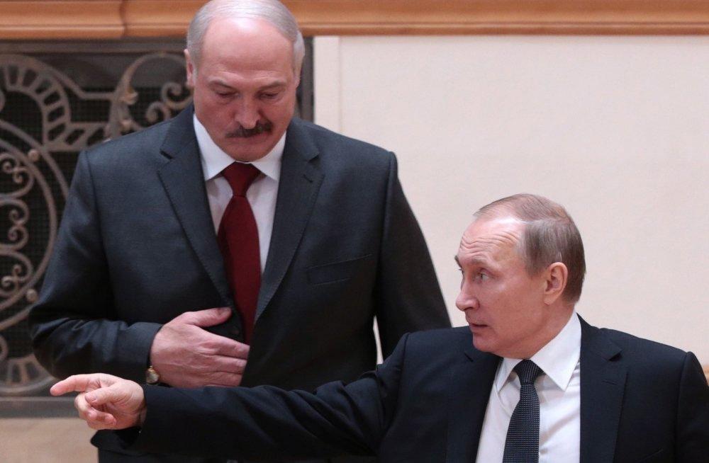 Лукашенко вновь просит в долг