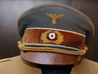 Жительницу Вязьмы оштрафовали за фото фуражки Гитлера